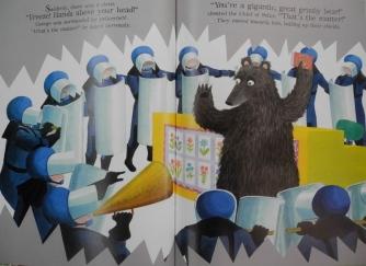 bear reading 002 (800x600)